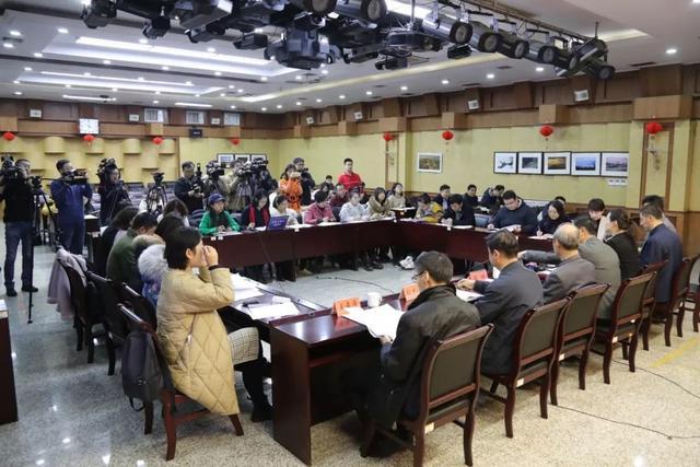 """山东省教育厅举行2020年 """"新高考""""实施方案新闻通气会"""
